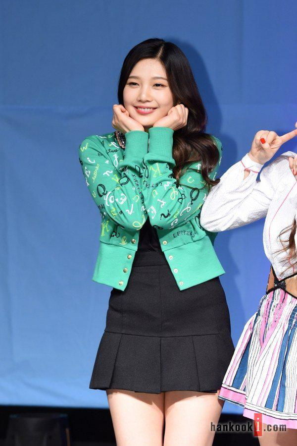 Among All The Members Joy Receives The Most Attention As She Continuously Shows Fans Her Adorable Expressions Check Out All The Photos Here