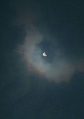 Eclipse parcial do Sol observado em 26 de fevereiro de 2017 a partir do bairro Jaraguá, periferia de São Paulo, Brasil. A imagem foi feita com uma câmera comum (com filtro). Foto: Carol Cintra Waetge
