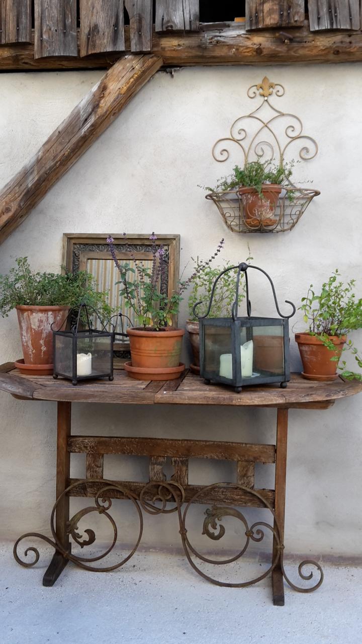 Shabby house and garden alter gartentisch neu in szene - Gartentisch dekorieren ...