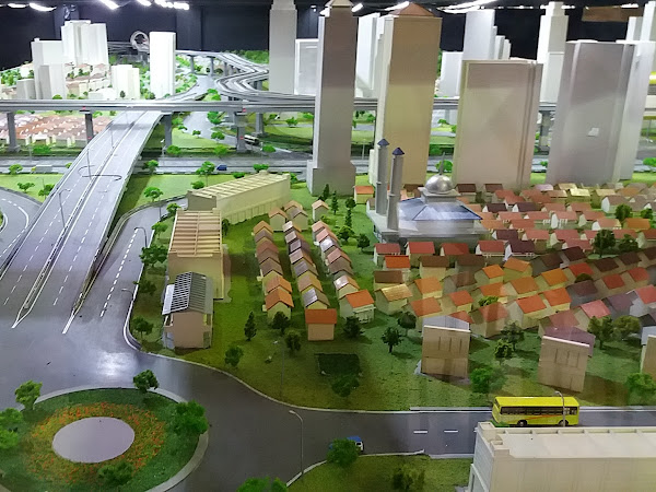 Quality Time Hilang Karena Macet, LRT City Solusinya