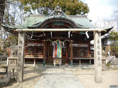 白山神社注連柱