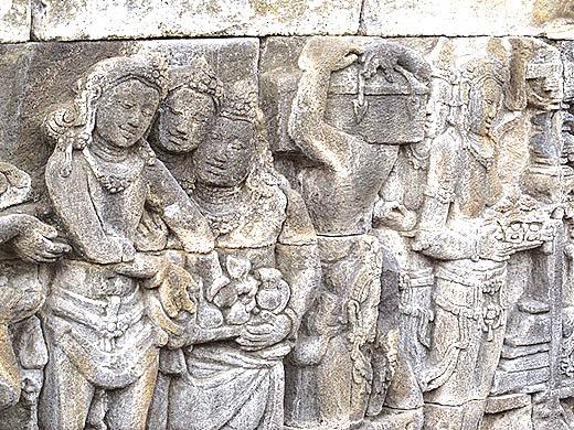 Pembuatan obat tradisional dalam relief candi Borobudur