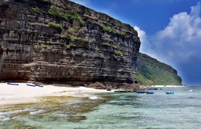 Quảng Ngãi Tắm biển ở đảo Lý Sơn du khách bất ngờ tử vong