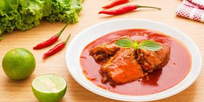 Sarden Kaleng merupakan salah satu jenis ikan maritim yang diolah menjadi kuliner instan den Resep Sarden Kaleng Spesial Tomat Pedas