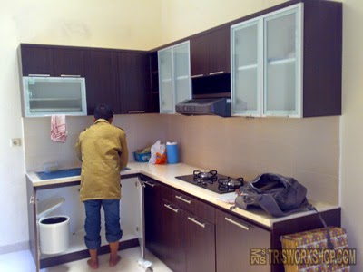 Portfolio interior dapur kitchen set modern minimalis for Kitchen set yang sudah jadi