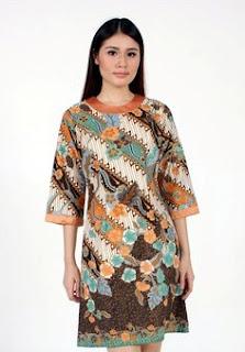 Foto Model Baju Batik Kantor Wanita