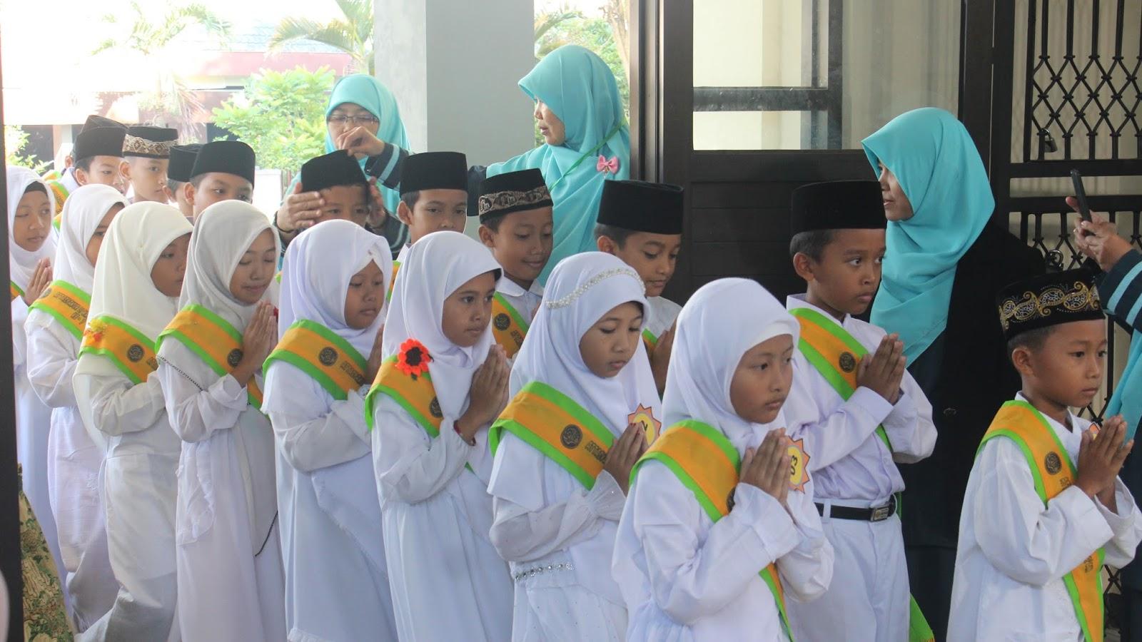 Attasyakur Li Khotmil Qur'an ke   20 SDIT Cahaya Insani Temanggung ...