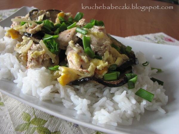 Kurczak z bakłażanem i ryżem jaśminowym