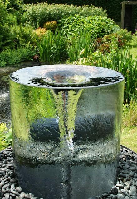 Nous somme nés grâce à l'un des éléments les plus formidables qui existent :  L'eau.