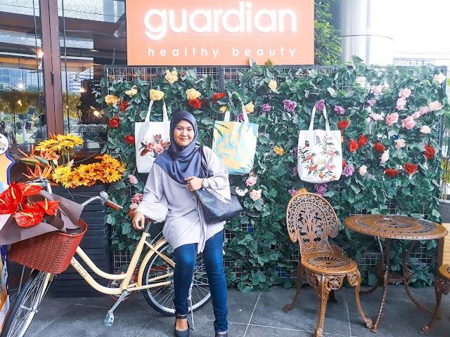 GuardianxNaelofar Exclusive Tote for Ramadan.