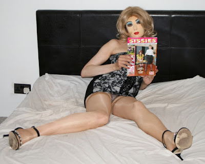 Sissy transvestite flashes knickers in short dress