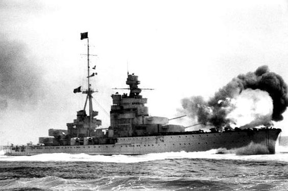 9 July 1940 worldwartwo.filminspector.com Italian Cruiser Zara Battle Calabria firing guns