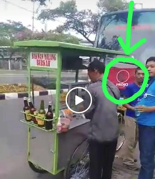 Netizen Heboh! Rombongan Projo Pesan Bakso 7 Gerobag Cuma Bayar 500 Ribu, Ini Videonya