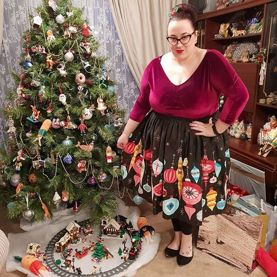 Pinup Couture Vintage Ornament Skirt