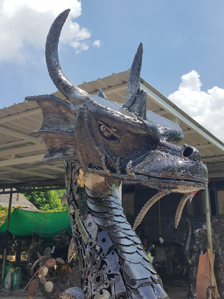 16-Dragon-Head-Namfon-Suktawee-Animals-Art-made-by-Upcycling-Scrap-Metal-in-Thailand-www-designstack-co