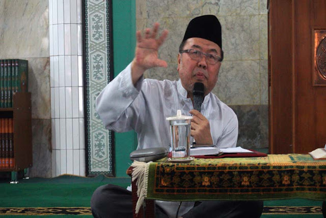 KH Didin Hafidhuddin: Memisahkan agama dan politik adalah kesalahan fatal