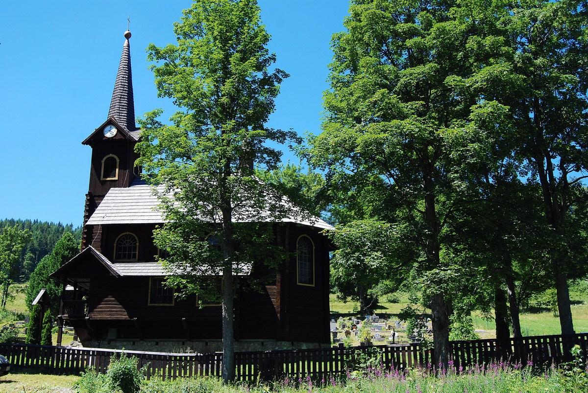 une église en bois comme il en existe de nombreuses dans la région Tatras