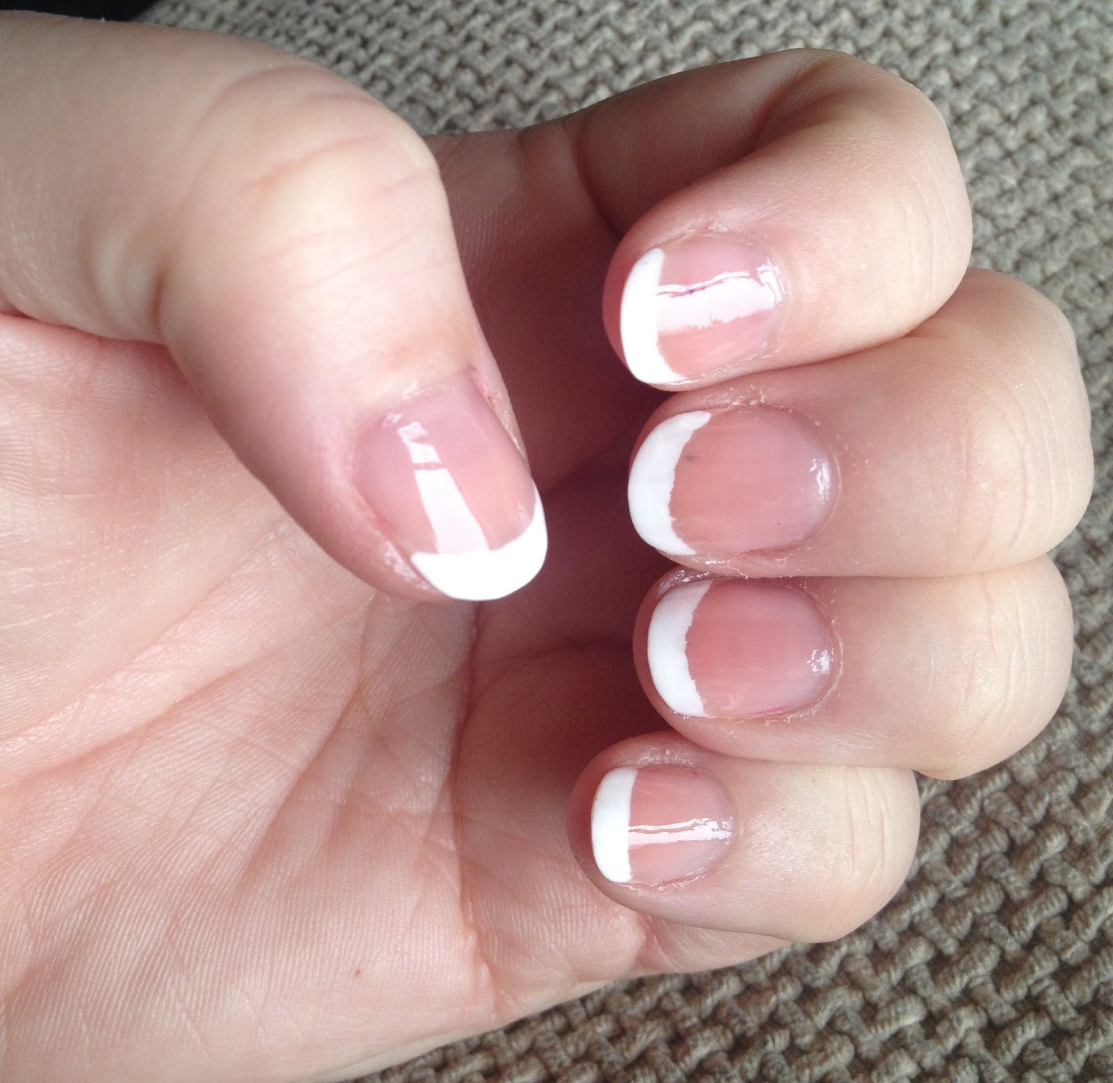 DIY French Manicure - Mammaful Zo: Beauty, Fashion, Lifestyle