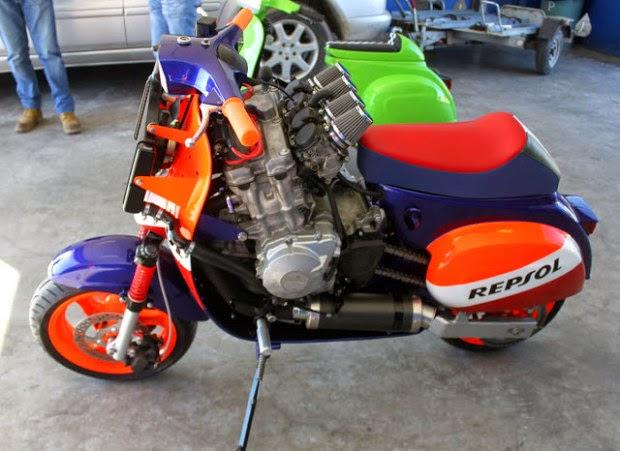 Vespa Repsol CBR honda 1000 cc