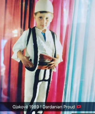 Lorik Cana publish photo from childhood with national dress