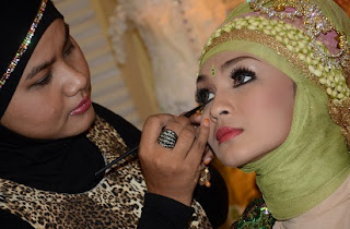 Tips Make Up Pernikahan Di Luar Ruangan
