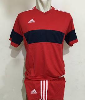 gambar desain terbaru jersey Adidas koon foto photo kamera Setelan jersey Futsal Adidas Konn Merah 2016 di enkosa sport toko online terpercaya lokasi di jakarta pasar tanah abang