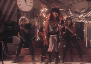 videos-musicales-de-los-80-dead-or-alive-you-spin-me-round
