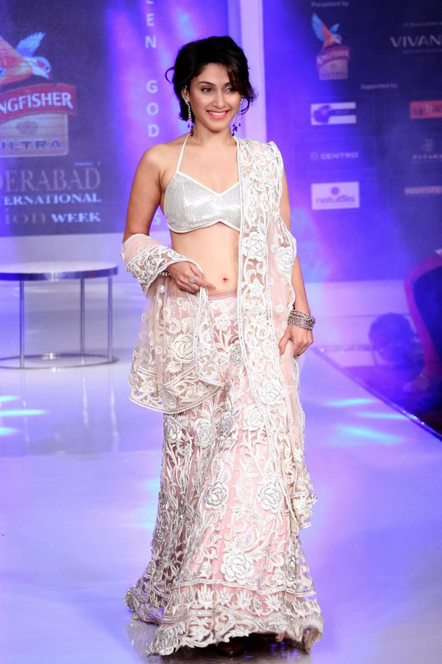 Manjari Phadnis Gorgeous Ramp Walk Photos-HQ-Photo-20