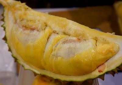 http://eattoyourheartscontent.blogspot.com/2014/06/durian-king-of-fruits.html