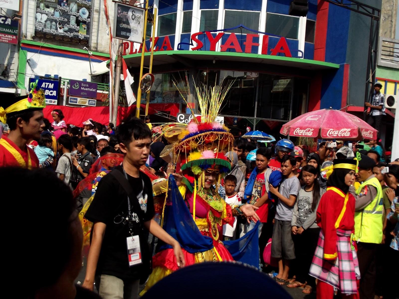 Ramainya Jember Fashion Carnaval