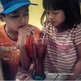 Waspadai Kurang Minum Saat Bermain Pada Anak