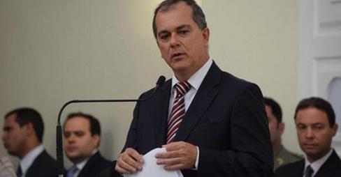 Ronaldo Medeiros pode garantir vaga na ALE após acordos no Palácio