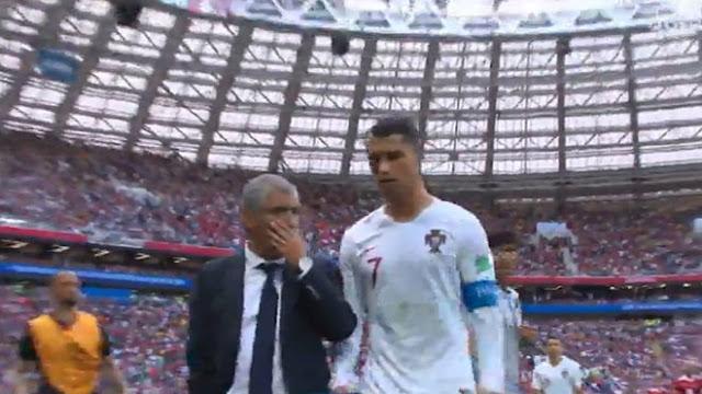 C.Ronaldo bực tức vì lối chơi của Bồ Đào Nha