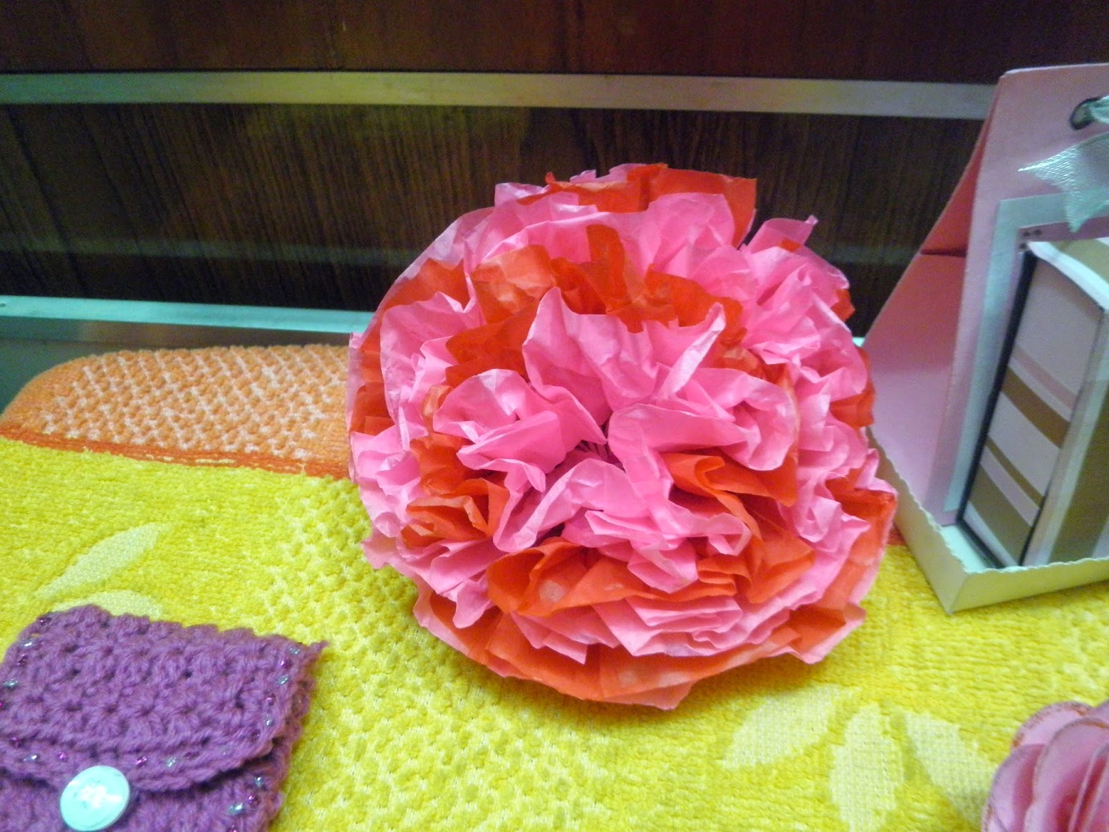Made in craftadise, tissue paper flower