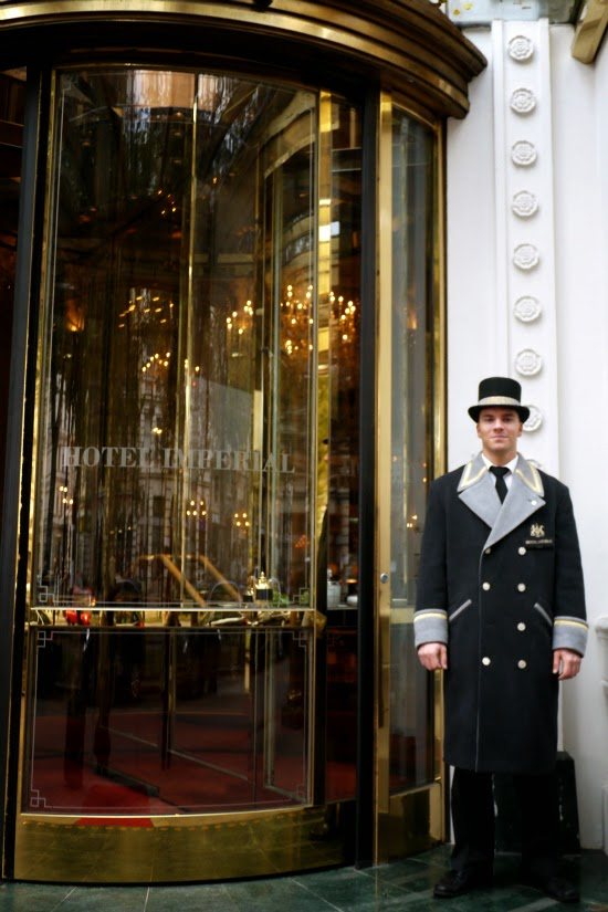 hotel imperial vienna entrance