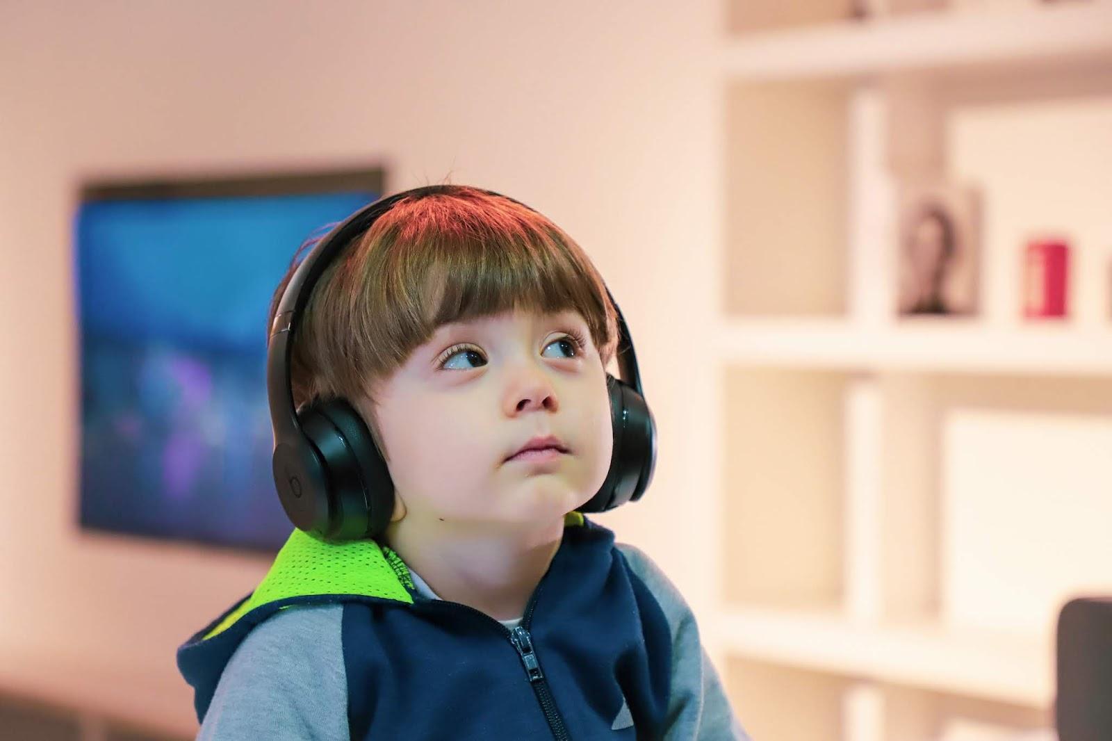 Gejala-gejala AUTISME Pada Anak dan Solusinya