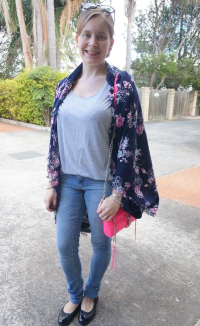 AwayFromBlue | Grey tee skinny jeans navy floral kimono neon pink bag SAHM style