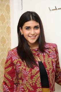 Actress Mannara Chopra Pictures at Natural Salon Launch  0032.JPG