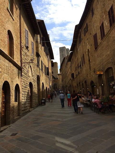 San-Gimignano-Tuscany-Glam-Italia-Tour-03