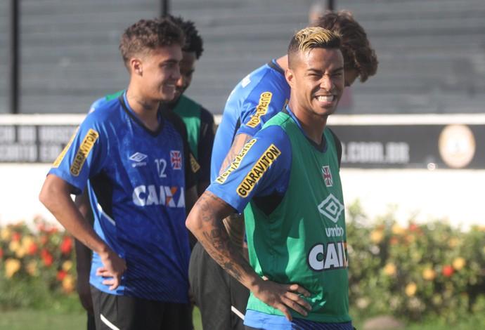 9f5a65b62a Talismã do Vasco em 2015