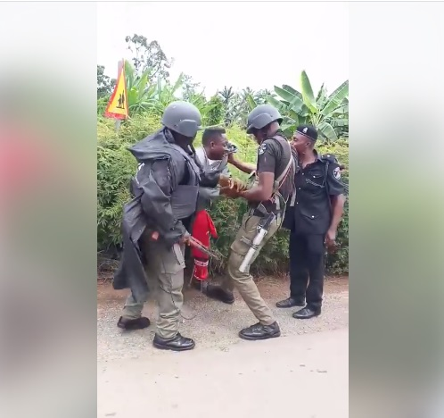 Policemen Beat-up Okada Rider For Refusing To Give N50 Bribe