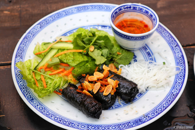 Little V Vietnamese restaurant Rotterdam Bo La Lot beef wrapped in leaves