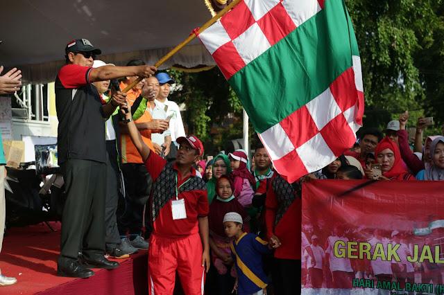 Peringati Hari Amal Bakti Kementerian Agama 2017, Kemenag Kalsel Gelar Gerak Jalan Sehat Kerukunan