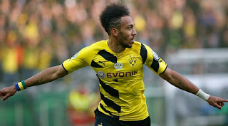 Arsenal targeting Dortmund striker Pierre-Emerick Aubameyang