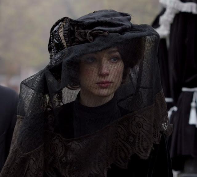Houdini, minissérie figurino, véu de luto da Bess (Kristen Connolly)
