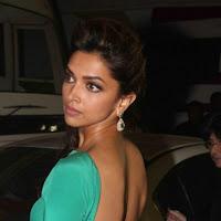 Deepika padukone latest hot backless pics