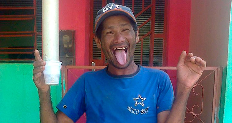 Ailton Correia, que era portador de deficiência mental, foi espancado e queimado vivo