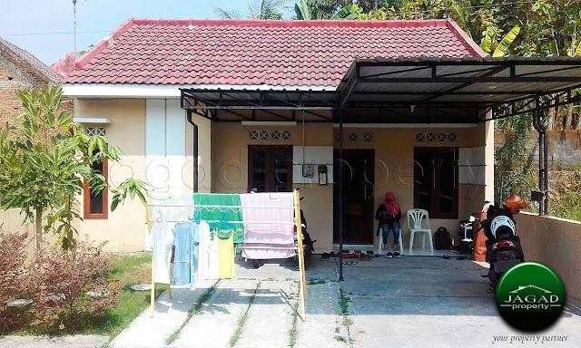 Rumah Minimalis dalam Perumahan Bangunjiwo