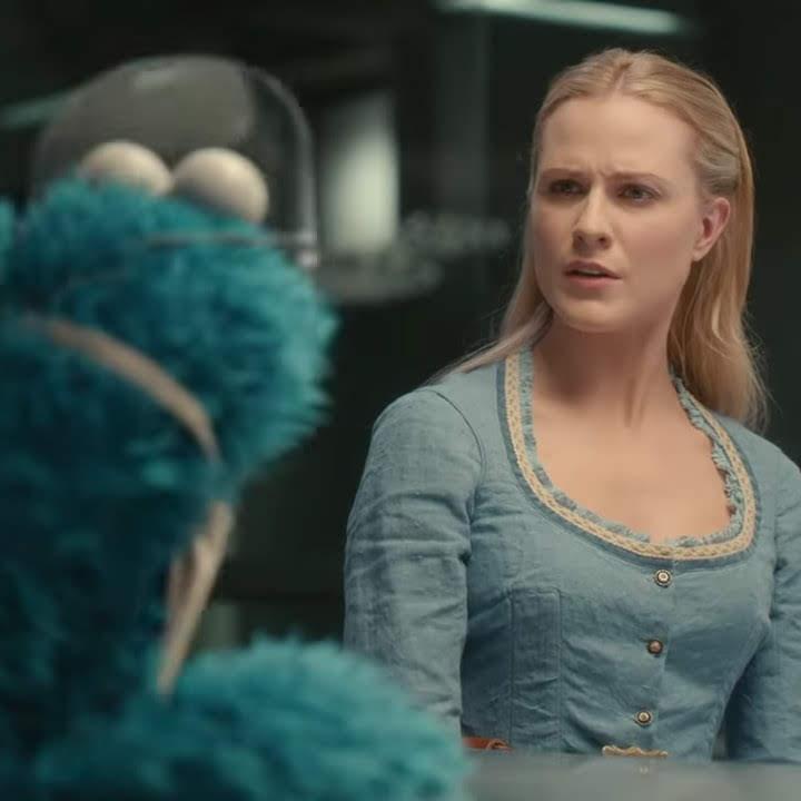 Cookie Monster teaches the Hosts of Westworld about Respect : SFスリラーの人気ドラマ「ウエストワールド」の虐げられたロボットの心を癒やして、他人に敬意を表し、分かち合うリスペクトの大切さを、クッキー・モンスターが教えてくれる「セサミ・ストリート」のとても勉強になるビデオ ! !