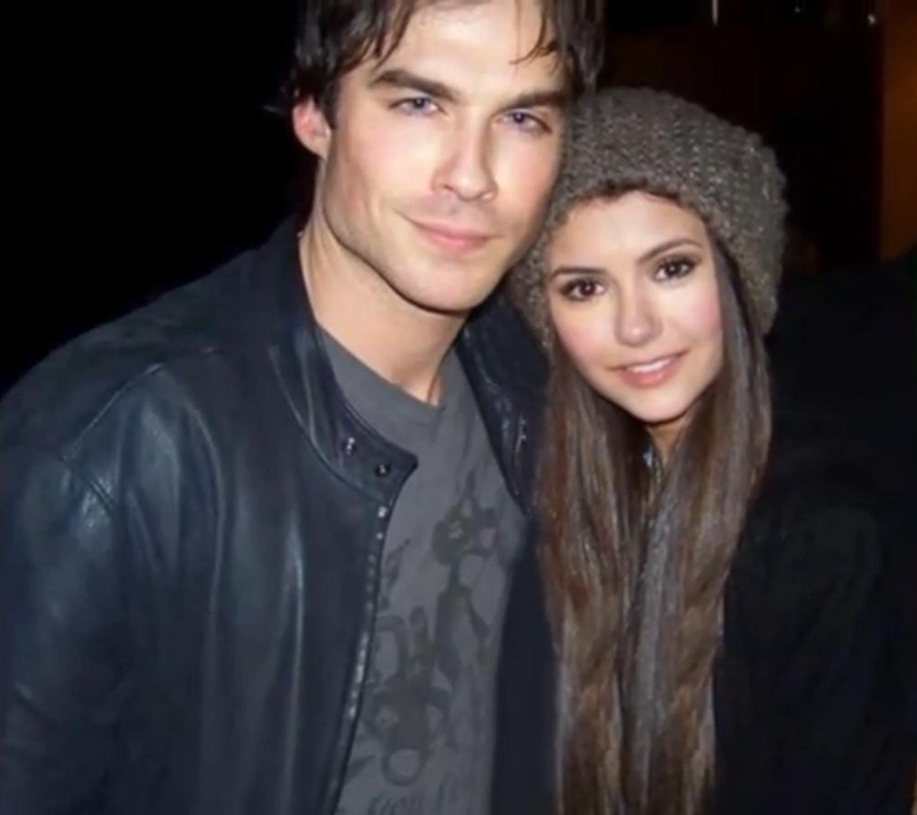 when did nina dobrev and ian start dating